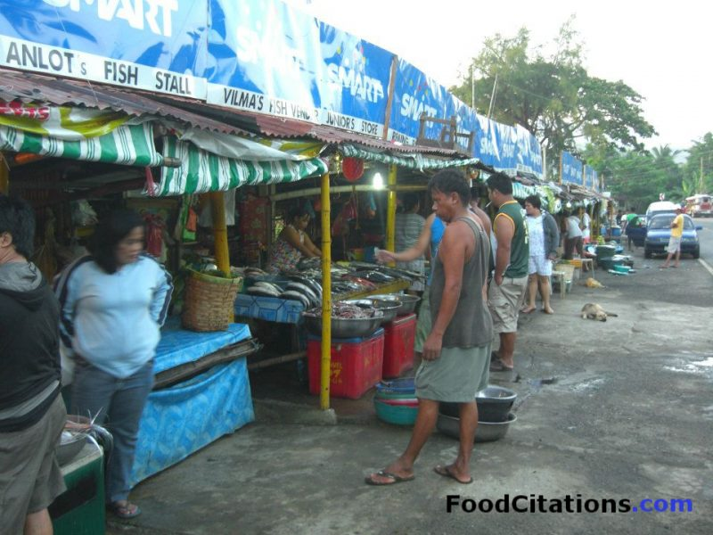 Labrador Stall: The Sidewalk for Freshly-Caught Seafood