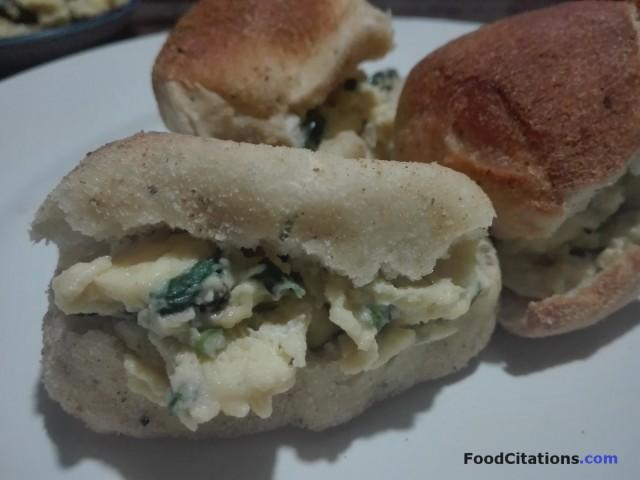 Scrambled Eggs Pandesal