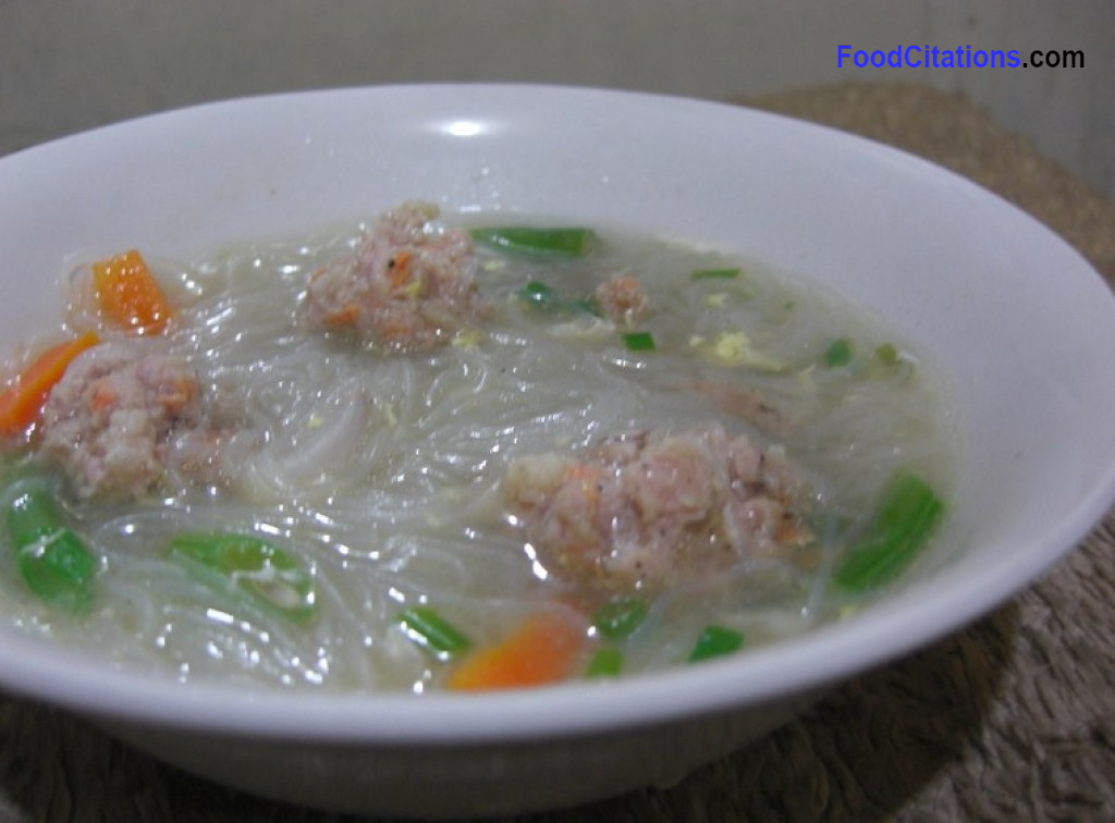 Chinese Vermicelli and Meat Balls Soup