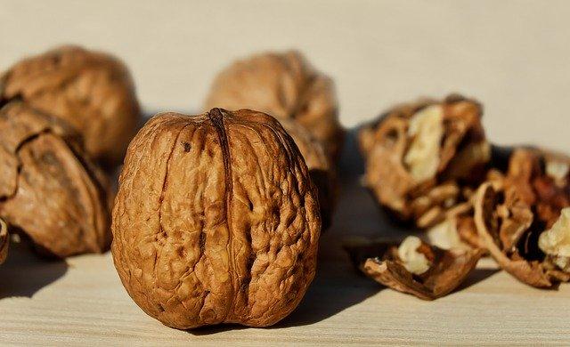 Foods for Glowing Skin - walnut